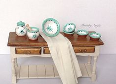 Dollhouse pottery set decorated in green.Set of by MinisbyAngie, €27.00