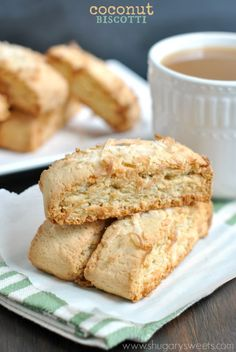 Biscuits coco - Coconut Biscotti: crunchy sweet biscotti with coconut flavor! Perfect dunked in coffee or tea! Cookie Desserts, Just Desserts, Cookie Recipes, Delicious Desserts, Dessert Recipes, Coconut Biscotti Recipe, Coconut Recipes, Baking Recipes, Tea Cakes