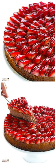 Strawberry Nutella Cheesecake -- made with a simple filling, Oreo crust, and topped with oodles of strawberries | gimmesomeoven.com #dessert