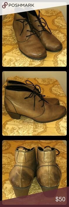 """EUC Remonte booties in taupe tan leather size 39 Adorable leather booties from renowned German shoe company Remonte. Black laces up front. 1 1/2"""" stacked heel with non-skid sole. Euro size 39 or approximately a US 8.5 or 9. I am a pretty solid 9 in boots and they are sadly a wee small, so recommended for a true 8.5. Remonte Shoes Ankle Boots & Booties"""