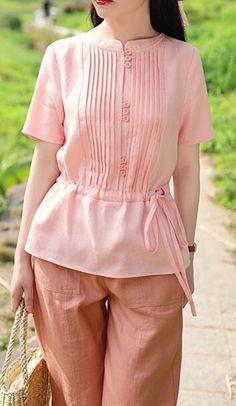 Diy Fashion, Fashion Dresses, Fashion Design, Blouse Simple, Linen Blouse, Cotton Sweater, Summer Tops, Simple Style, Shirt Style