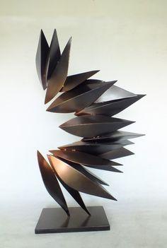 escultura abstrata - Pesquisa Google                                                                                                                                                                                 Mais
