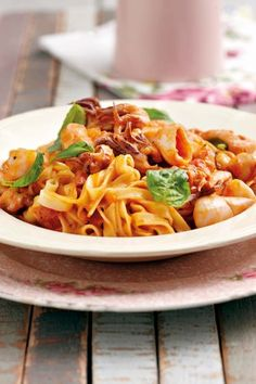 Seekos-pasta | SARIE | Seafood pasta Best Pasta Dishes, Rice Dishes, Tasty Dishes, Seafood Pasta, Seafood Dishes, South African Recipes, Ethnic Recipes, Pasta Dinners, Beef And Noodles