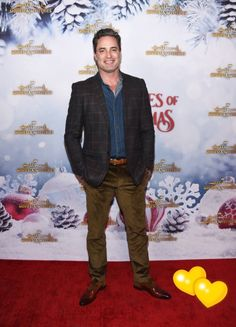 Victor Webster is starring in the Hallmark moving 'Homegrown Christmas' alongside Lori Loughlin. But he's also appeared in shows like Castle, Sex and the City, Charmed, and more. Hallmark Christmas Movies, Hallmark Movies, Victor Webster, Lori Loughlin, Moving To Los Angeles, High School Sweethearts, Days Of Our Lives, Black Belt, Puppy Love
