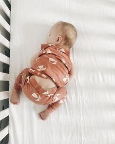 baby sleeping love #emmylowephoto #rooneylowe #littleladylowe #mmskids #mintedmethodshop @helloemmylowe