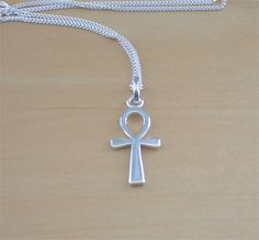 925 Silver Ankh Pendant & 18 Sterling Silver