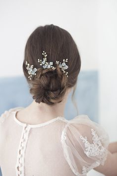 Forget me not hairpins Bridal pearl hair pins wedding flower Pigtail Hairstyles, Bobby Pin Hairstyles, Bride Hairstyles, Hair Scarf Styles, Pearl Hair Pins, Wedding Hair Pins, Hair Decorations, Hair Accessories For Women, Bridal Accessories