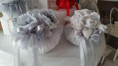 Idee per il cuscino #portafedi?  Eccone qui 9 originali e fatte a mano!  http://labottegadeisogni.biz/blog/cuscino-portafedi-9-idee-originali-fatte-mano/ #cuscinoportafedi #matrimonio