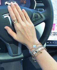 Cartier Bracelet, Cartier Jewelry, Pandora Jewelry, Jewelery, Jewelry Model, Cute Jewelry, Jewelry Accessories, Jewelry Design, Designer Jewelry Brands