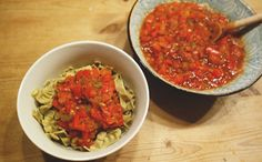Bean pasta with tomatosauce! Vegan, Gluten-free, Sugar-free, Oil-free and easy to make!