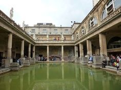 "Hoc est manga balneo. Aquae Sulis is famous for it's Great Bath, which is essentially a huge, hot swimming pool. The bath is 1.6 meters and lined with 45 sheet of lead.The Great Bath is the ""Crown Jewel"" of the bathes, it is the best bathing in all of Britannia!"