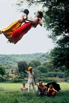 The Power of Two, India by Steve McCurry Amazing India, Steve Mccurry, India People, Photojournalism, World Cultures, Beautiful Children, People Around The World, Children Photography, Village Photography