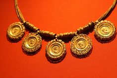 Collar with medallions containing coins of emperors roman period AD 225 ca Egypt,Memphite Region Gold