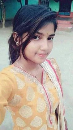 Best Gopalapuram Packers and Movers Chennai - Packing Moving and House Relocation Bill For Claim Beautiful Girl In India, Beautiful Blonde Girl, Beautiful Girl Photo, Most Beautiful Indian Actress, Beautiful Saree, Desi Girl Image, Beautiful Girl Image, Gorgeous Women, Stylish Girl Images