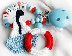 Schnullerkette mit dem Namen des Kindes und maritimen Anhängern / baby's dummy with maritime pendants by mamasliebchen-schnullerketten via DaWanda.com
