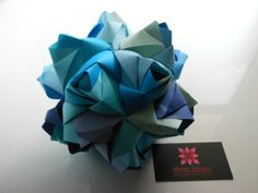 Meire Hirata - Origami Specialist  Kusudama by designed Maria Sinayskaya.  Folded with washi paper. <3