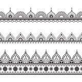Linha De Beira Elementos Do Mehndi Do Laço No Estilo Indiano Para O Cartão E Tatuagem No Fundo Branco - Baixe conteúdos de Alta Qualidade entre mais de 65 Milhões de Fotos de Stock, Imagens e Vectores. Registe-se GRATUITAMENTE hoje. Imagem: 69420262