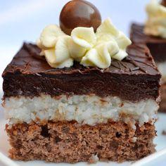 Kokosový zákusok so šťavnatou piškótou a čokoládovou polevou | Urob si sám Baking Recipes, Cake Recipes, Dessert Recipes, Sweet Desserts, Sweet Recipes, Eastern European Recipes, Austrian Recipes, Czech Recipes, Gluten Free Cakes