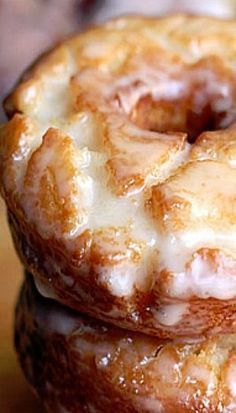 Old Fashioned Sour Cream Donuts You don't need any fancy equipment or ingredients to make amazing homemade donuts! These old-fashioned sour cream donuts are slightly crisp on the outside and tender in the middle with a simple and delicious donut glaze. Slow Cooker Desserts, Baking Recipes, Dessert Recipes, Egg Yolk Recipes, Amish Recipes, Dutch Recipes, Bon Dessert, Dessert Food, Perfect Food