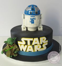 R2D2 Star Wars (from Gateaux sur Mesure Paris - Formations Cake Design, Ateliers pâte à sucre, Wedding Cakes, Gateaux d'Exposition)