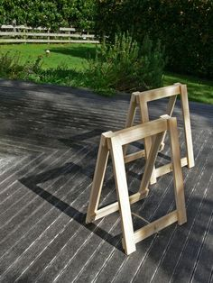 diy trestle legs for studio workbench.