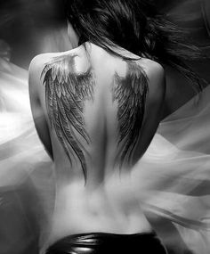 50 Adorable Back Tattoos For Women Inspiration 42 – Rema Selena Alas Tattoo, Form Tattoo, Shape Tattoo, Trendy Tattoos, Sexy Tattoos, Body Art Tattoos, Sleeve Tattoos, Tatoos, Angel Wings Tattoo On Back