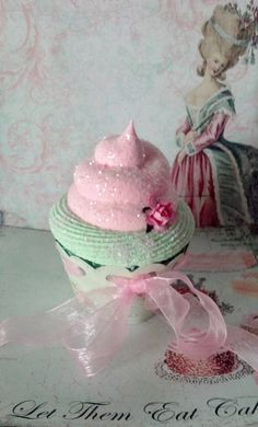 Marie Antoinette Fake Cupcake, Let Them Eat Cake Photo Props and Home Displays, Victorian and Shabby Cottage Cupcake Décor. I would like to make real cupcakes that look like this with edible glitter :) Fake Cupcakes, Pretty Cupcakes, Fake Cake, Cupcake Cookies, Pastel Cupcakes, Cupcake Photos, Cupcake Heaven, Candy Crafts, Fake Food