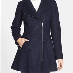 Guess wool peacoat Beautiful wool coat Guess Jackets & Coats Pea Coats