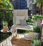 Un petit balcon comme un espace de détente au calme - Marie Claire Maison