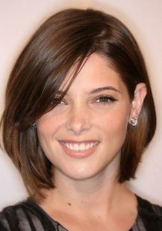Mid-length Hairstyle for Round Face