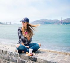 Casual look - jeans and stripes. Julia engel.