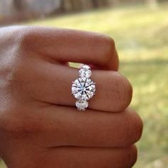 I usually don't gravitate towards this type of ring, but this one is beautiful.
