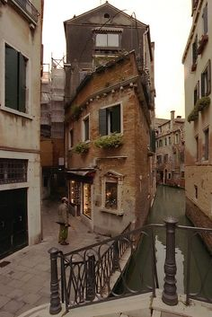 Wandering the narrow alleys of Venice (Italy)