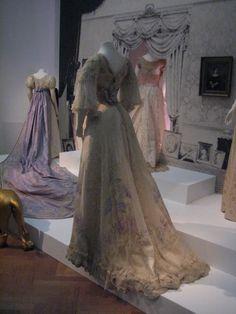 Den Haag Gemeentemuseum 'Haagse Hofmode' (2007)