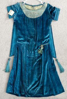 ANTIQUE Vintage 1920's HIGH FASHION Flapper ART DECO Silk Velvet TASSEL Dress | eBay