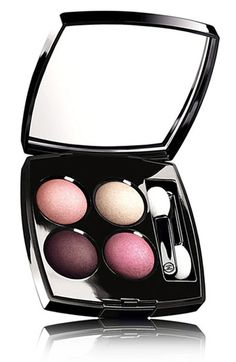 Celebrities who wear, use, or own Chanel Quadra Eye Shadow. Also discover the movies, TV shows, and events associated with Chanel Quadra Eye Shadow. Chanel Beauty, Chanel Makeup, Beauty Bar, Beauty Make Up, My Beauty, Mascara, Eyeliner, Beauty Trends, Beauty Hacks