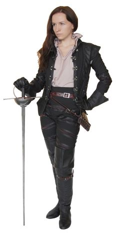 неда - woman fencer!