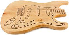 Musikinstrumente - Frühstücksbrett Gitarre eingeölt, f. Musiker, Erle - ein Designerstück von Holzhuettn bei DaWanda