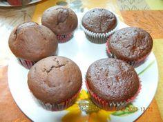 Perníkové muffiny, recepty, Muffiny | 400 g hl. múka 150 g práš. cukor 2 vajce 100ml olej 3 PLlekvár,džem 1 ČL škorica mletá 1  pr do perníka 2 PL kakao 300ml mlieko 1 ČL soda Múku, prášk cukor, celé vajíčka, olej, mlieko,lekvár, škoricu, sódu, kakao, prášok do perníka vymiešame, pridáme ešte mlieko, Papierové košíčky plníme do 1/2  pečieme na 180°C asi 30 min Papierové košíčky plníme do 1/2 max. do 2/3 a pečieme vo vyhriatej rúre na 180°C asi 30 min