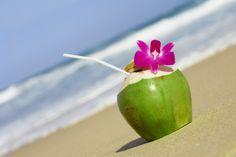 Sidro da bere in coppa di mela, sulla spiaggia! Cosa c'è di meglio? Buona serata a tutti! :)