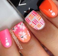 Summer nails love the middle finger design