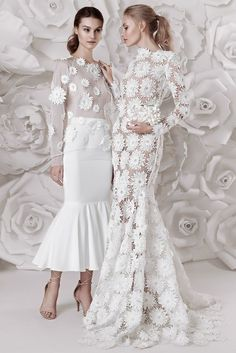 future wedding dresses, You can collect images you discovered organize them, add your own ideas to your collections and share with other people. Elegant Dresses, Beautiful Dresses, Formal Dresses, Bridal Dresses, Wedding Gowns, Pinterest Fashion, White Fashion, The Dress, Couture Fashion