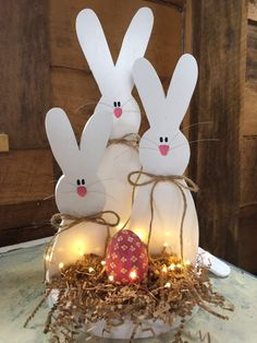 10 Cute and Simple Spring Wood Crafts Diy For You to Try Bunny Crafts, Easter Crafts For Kids, Crafts To Do, Wood Crafts, Diy Crafts, Easter Ideas, Easter Wreaths, Christmas Greetings, Holiday Crafts