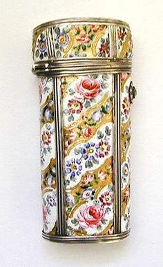 Rare French 18th Century Silver and Enamel Etui : Lot 33