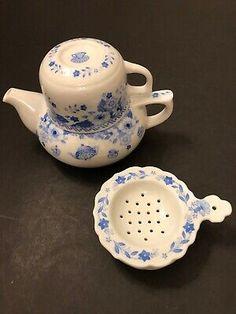 Teapots & Tea Sets - Tea Strainer - Vatican Tx Usa, Tea Strainer, Sun Catcher, Tea Sets, Vatican, Porcelain, Hand Painted, Antiques, Tableware