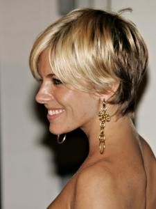 Cute short cut on Sienna Miller. It works well, because the front of her hair is VERY blonde and a little long. My favorite short look this year.