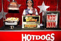50s Manhattan/Guys and Dolls maybe not hot dogs, but popcorn? little coke bottles? ~ new york theme party  | New York New York