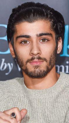 His eyes is perfection. Zayn Malik Style, Zayn Malik Photos, Foto Zayn Malik, Mode Masculine, Zany Malik, Zayn Malik Hairstyle, Hommes Sexy, One Direction Pictures, James Horan