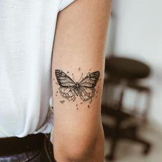 Butterfly tattoo ideas to symbolize conversion 2019 20 Butterfly tattoo ideas to symbolize conversion 2019 - hairstylesofwomens. Butterfly tattoo ideas to symbolize conversion 2019 - hairstylesofwomens. Mini Tattoos, Body Art Tattoos, Small Tattoos, Cool Tattoos, Tatoos, Piercing Tattoo, Arm Tattoo, Sleeve Tattoos, Tattoo Art