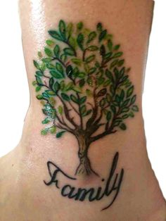 53 Trendy family tree tattoo with names men roots Family Name Tattoos, Family Tattoos For Men, Tattoos For Women Small, Tattoos For Guys, Future Tattoos, Tree Tattoo Men, Tree Tattoo Designs, I Tattoo, Tree Tattoos